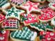 Joulukoristeltuja piparkakkuja
